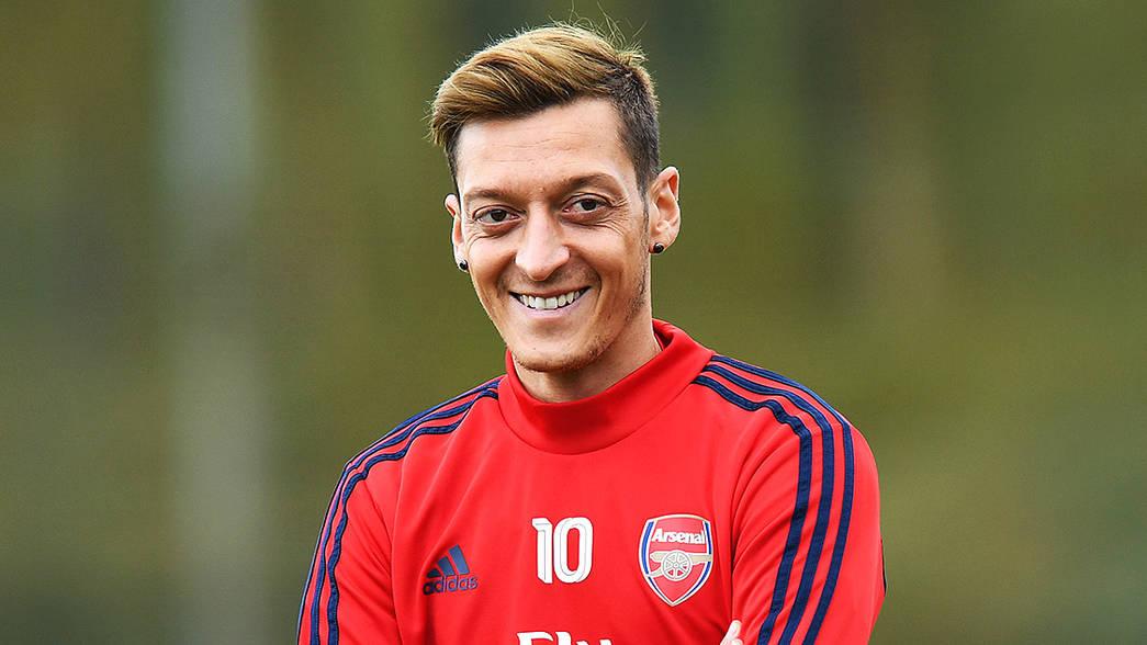 Mesut Ozil Sangat Gembira Arsenal Memecat Unai Emery